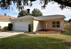 1114 BLACKWOOD WAY, CLERMONT, Florida 34714, 3 Bedrooms Bedrooms, ,2 BathroomsBathrooms,Residential,For Sale,BLACKWOOD,59689