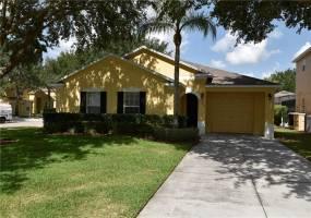17906 WOODCREST WAY, CLERMONT, Florida 34714, 3 Bedrooms Bedrooms, ,3 BathroomsBathrooms,Residential,For Sale,WOODCREST,76919