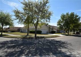 16028 BLOSSOM HILL LOOP, CLERMONT, Florida 34714, 5 Bedrooms Bedrooms, ,4 BathroomsBathrooms,Residential,For Sale,BLOSSOM HILL,76967