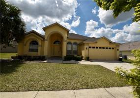 15928 ROBIN HILL LOOP, CLERMONT, Florida 34714, 4 Bedrooms Bedrooms, ,3 BathroomsBathrooms,Residential,For Sale,ROBIN HILL,76969