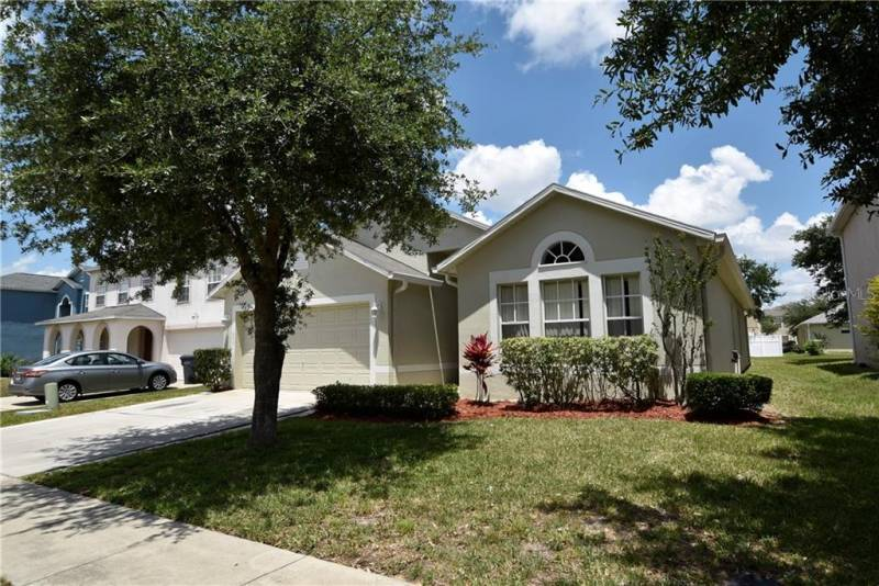 635 BLAKE AVENUE, DAVENPORT, Florida 33897, 4 Bedrooms Bedrooms, ,2 BathroomsBathrooms,Residential,For Sale,BLAKE,77012