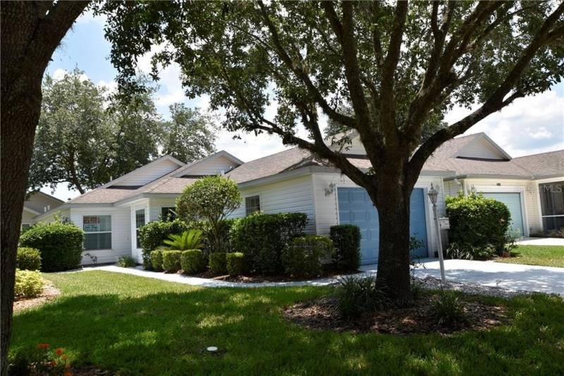25146 CRANES ROOST CIRCLE, LEESBURG, Florida 34748, 2 Bedrooms Bedrooms, ,2 BathroomsBathrooms,Residential,For Sale,CRANES ROOST,77018