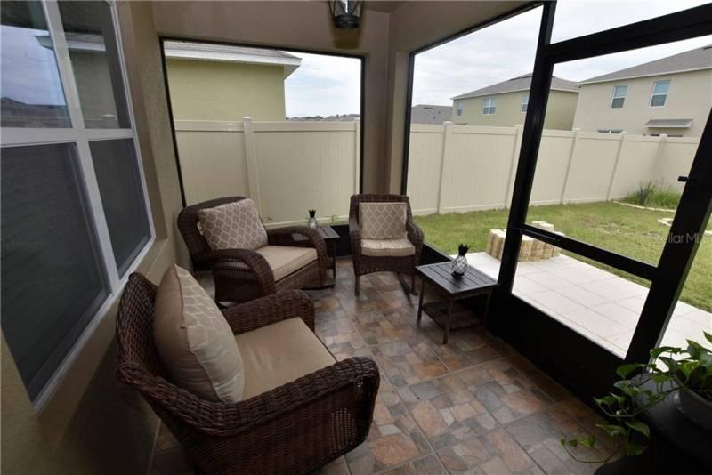 297 WILLOW BEND DRIVE, DAVENPORT, Florida 33897, 3 Bedrooms Bedrooms, ,2 BathroomsBathrooms,Residential,For Sale,WILLOW BEND,77027