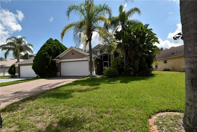 10829 RUSHWOOD WAY, CLERMONT, Florida 34714, 3 Bedrooms Bedrooms, ,2 BathroomsBathrooms,Residential,For Sale,RUSHWOOD,77034