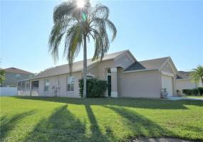 315 SONJA CIRCLE, DAVENPORT, Florida 33897, 3 Bedrooms Bedrooms, ,2 BathroomsBathrooms,Residential,For Sale,SONJA,77048