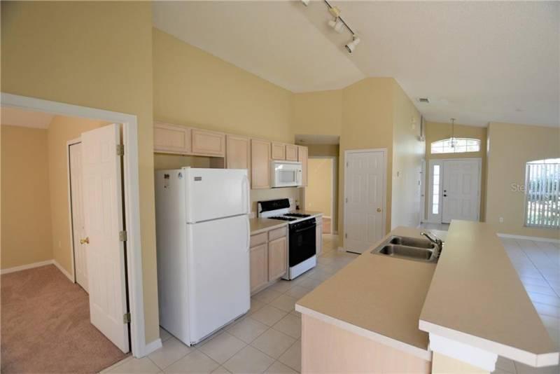 315 SONJA CIRCLE, DAVENPORT, Florida 33897, 3 Bedrooms Bedrooms, ,2 BathroomsBathrooms,Residential,For Sale,SONJA,77048