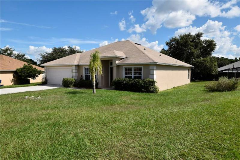 1303 PLOVER COURT, GROVELAND, Florida 34736, 3 Bedrooms Bedrooms, ,2 BathroomsBathrooms,Residential lease,For Rent,PLOVER,77089